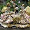 Скульптури відреставровані бджолами (12 фото)