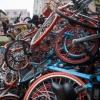 «Звалища» прокатних велосипедів в китаї (4 фото)